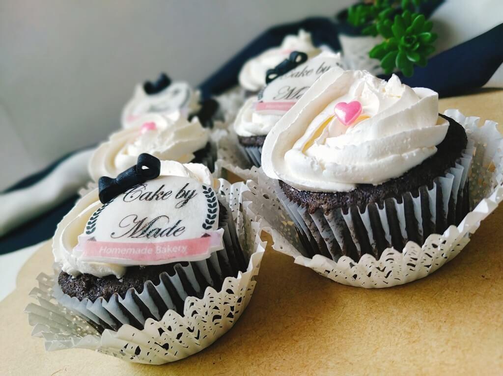 Cupcakes Personalizados Corporativos o empresariales con el Logo de u empresa con Impresiones comestibles con Logo Corporativo Cake By made Cupcakes